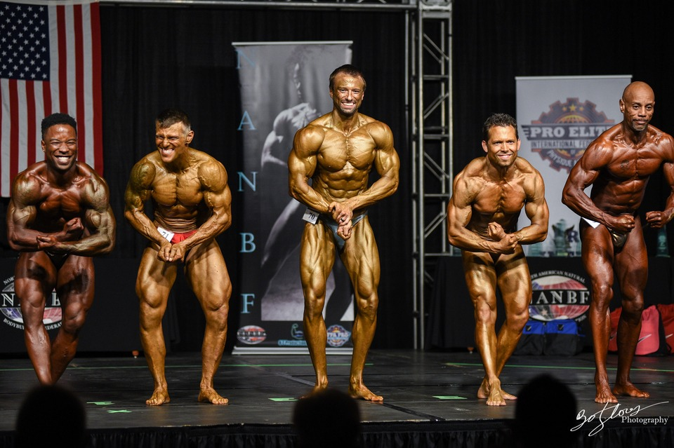 Bodybuilding verse powerlifting competition prep, a comparison